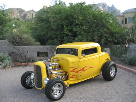 1932 FORD COUPE - LARRY MOORE/AZ
