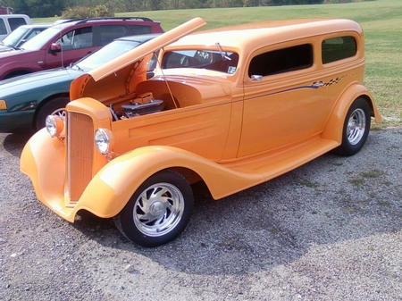 34 CHEVY SEDAN W/CHASSIS (STOCK MUSTANG FRONT SUSPENSION) as detailed 24,500.00